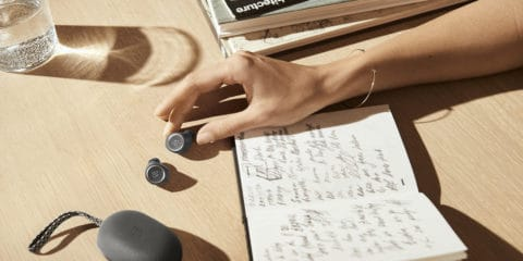 bang-olufsen-beoplay-e8-earbuds