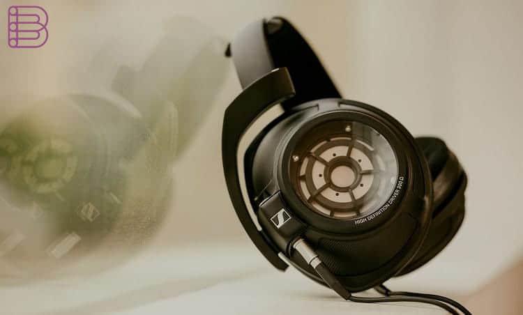 sennheiser-hd820-high-end-headphones-for-audiophiles-5