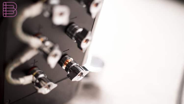 xtz-divine-alpha-loudspeaker-3