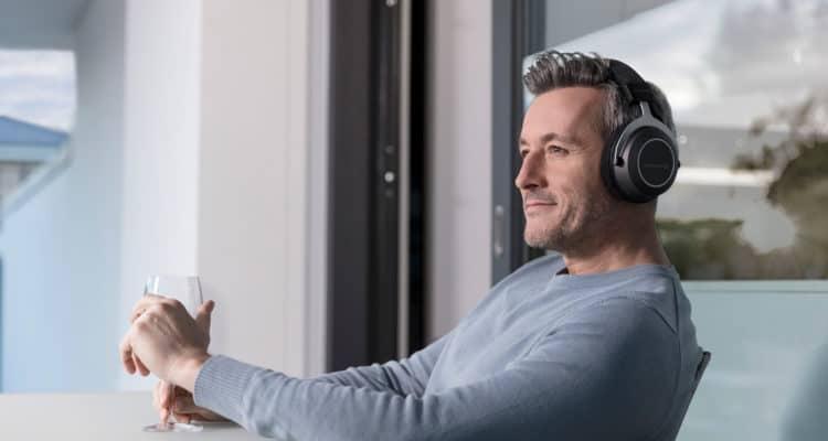 beyerdynamic-amiron-wireless-audiophile-headphones