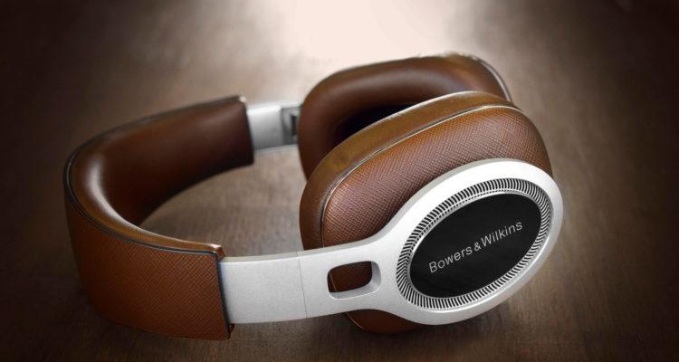 BowersWilkins-P9signature)over-earheadphones2