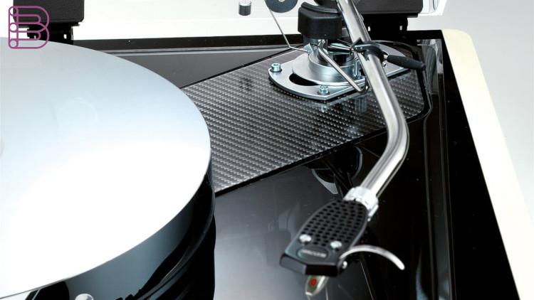 Thorens-TD550-Turntable1