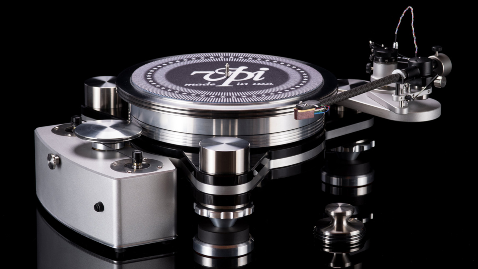 vpi-avengerplus-turntable1