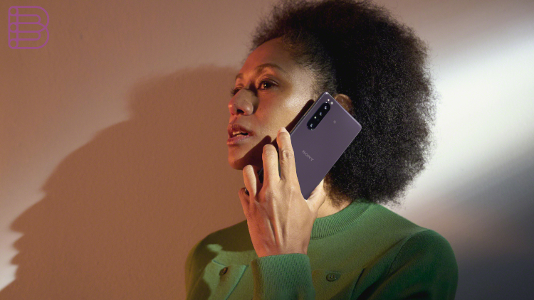 tech-behind-the-sony-xperia-1-II-purple